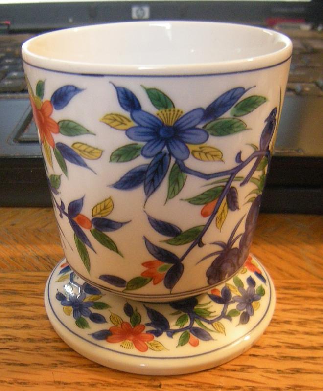 Early 1970s Kakiemon Style Japanese Porcelain Cup 第弌陶器 Daiichi Toki Takahashi 高橋