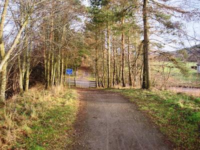 Deeside Walks: the Deeside Way trail passes the A93