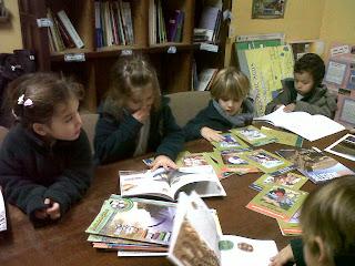http://1.bp.blogspot.com/-YgIbytXxkMg/T47u0KXStSI/AAAAAAAAFWM/Ho9b7VoUa-Y/s1600/Col.+Las+Victorias+-+Biblioteca+Ambiental.jpg