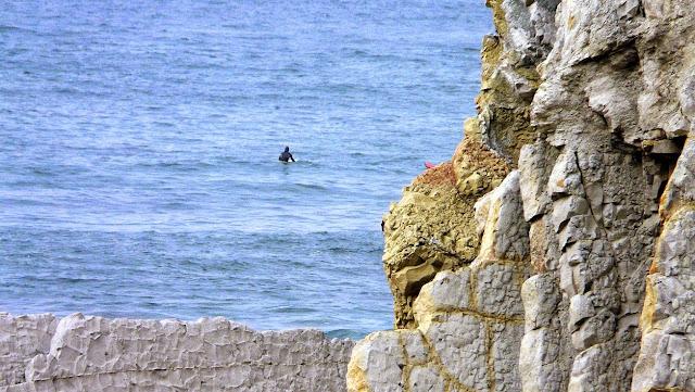 surfista solitario penon sopelana