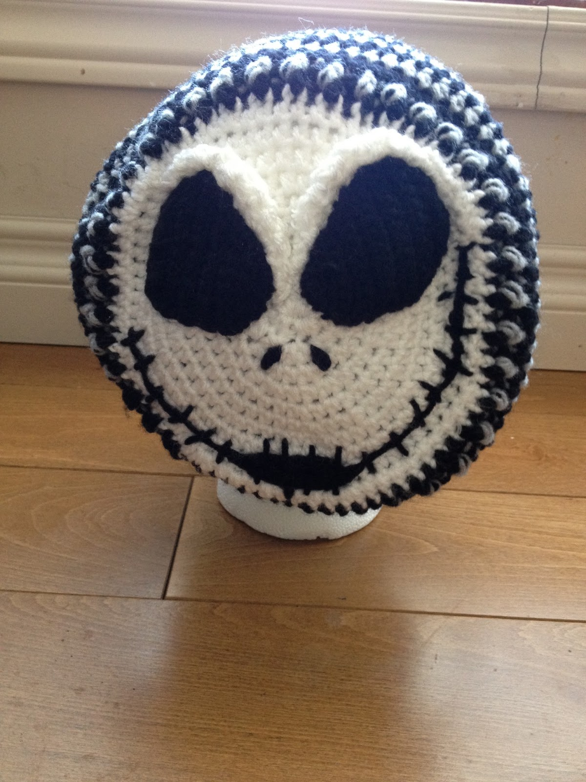 Crochet Jack Skellington : Jack Skellington crochet hat - womans slouchy (inspiration from http ...