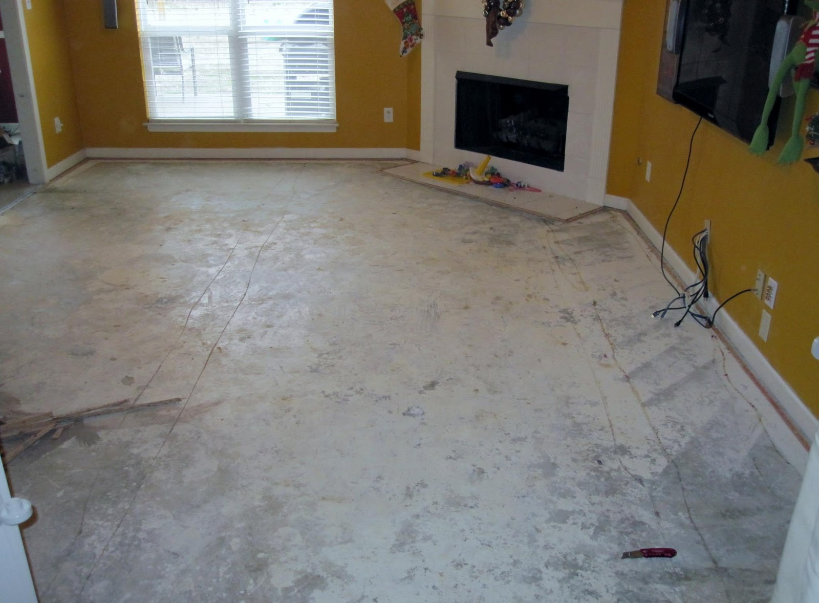 Raising royalty painted concrete floors are beautiful for Painting a concrete floor