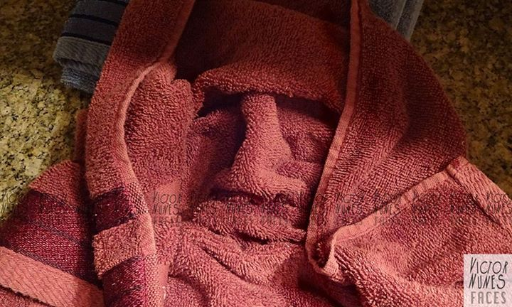 06-Towel-Expressions-Victor-Nunes-The-Art-of-Making-and-Drawing-Faces-using-Everything-www-designstack-co