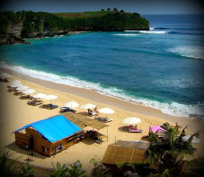 Kursi Pantai Disewakan 50 ribu