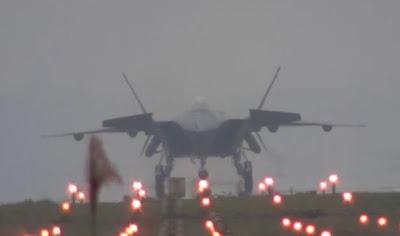 Pesawat  tempur J-20 Cina