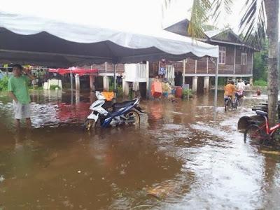 gambar banjir di kuantan 2013, banjir di kuantan pahang 2013, keadaan banjir di pahang 2013, gambar banjir di pahang, keadaan banjir di kuantan pahang 4 disember, banjir di pahang 4 disember