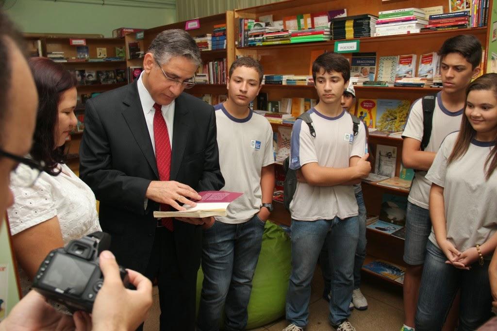 ECRETÁRIO ESTADUAL DE EDUCAÇÃO VISITA ESCOLAS EM ITALVA