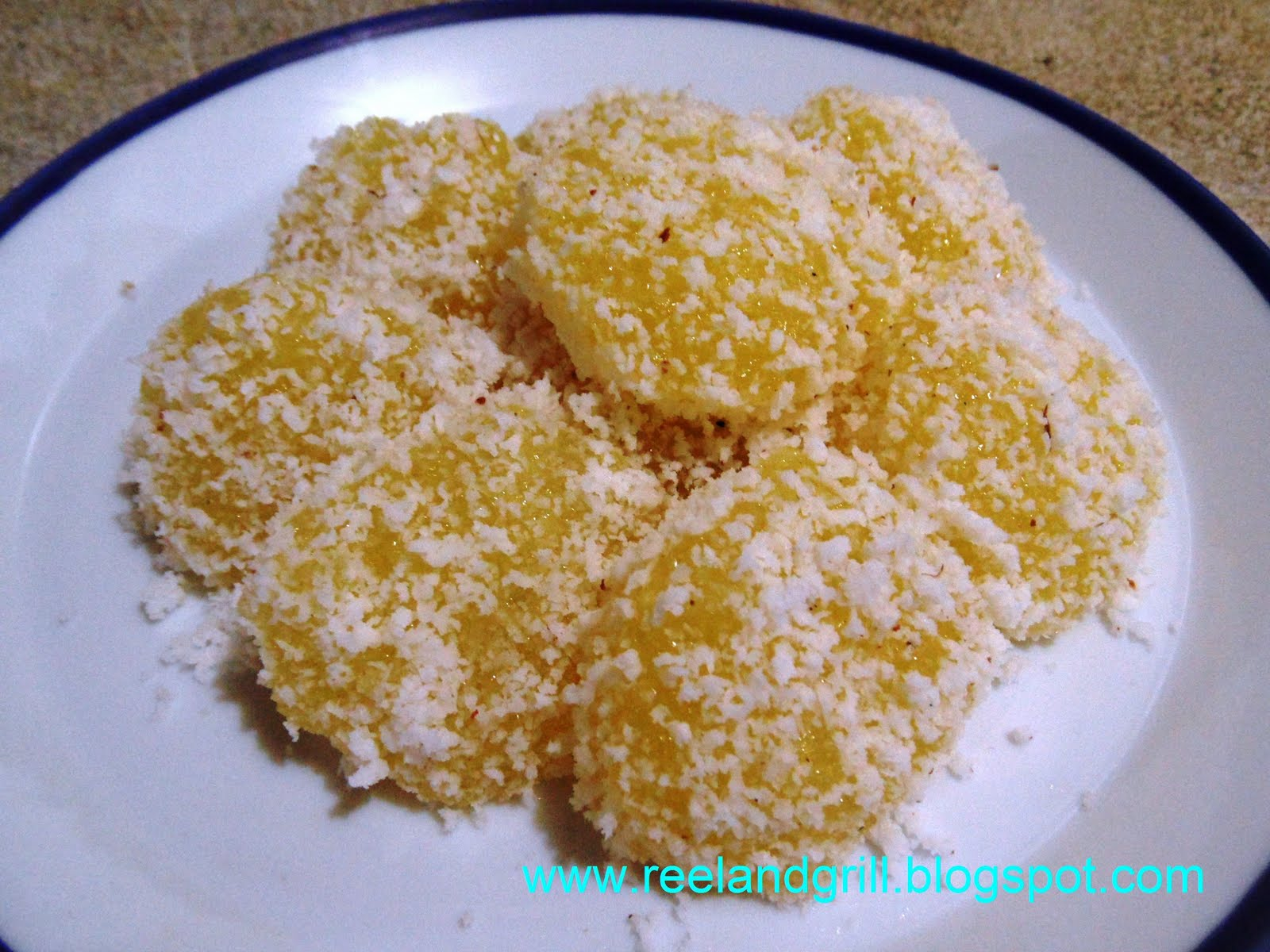Pichi Pichi (Cassava Pudding with Grated Coconut)