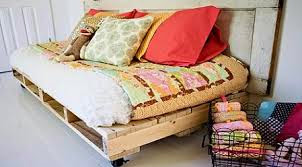 constructions pallets, sofa with pallets, furniture pallets, recycling, reuse, terrace, economically furniture, diy, do it yourself pallet, Euro pallet, pillows, old door, boho style