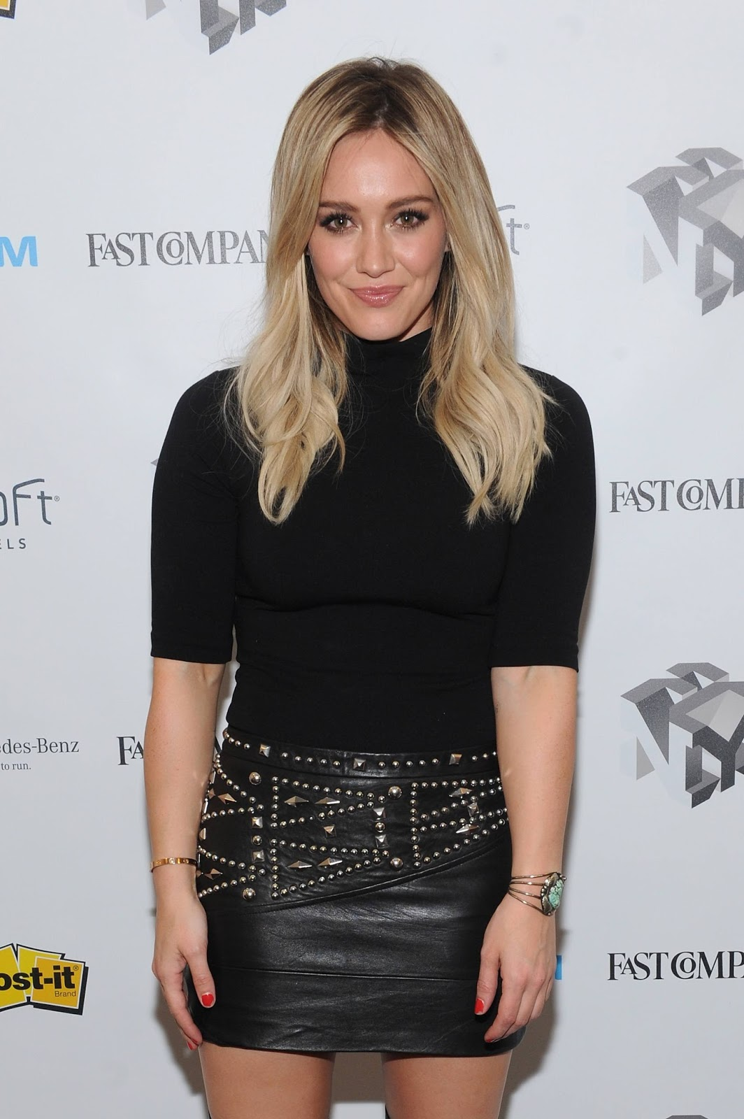 lovely ladies in leather hilary duff in a leather miniskirt