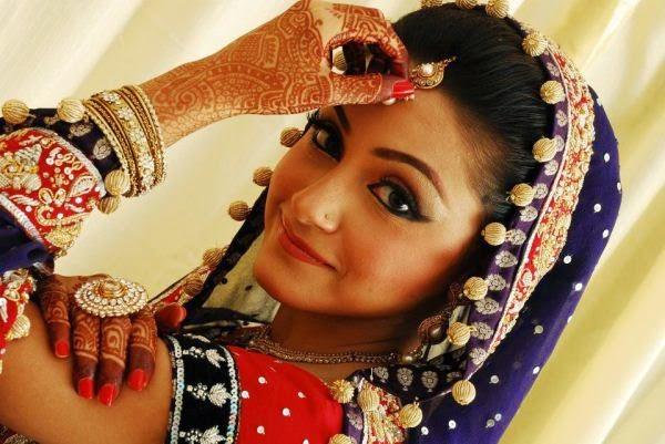 Mehndi Makeup Karachi : Top 10 popular beauty parlors for brides in pakistan incomefigure