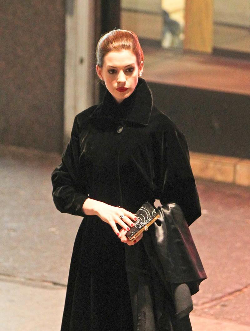 aboutnicigiri: More Anne Hathaway's Selina Kyle Photos Anne Hathaway