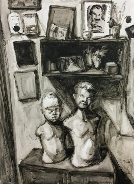 Niños sobre estante