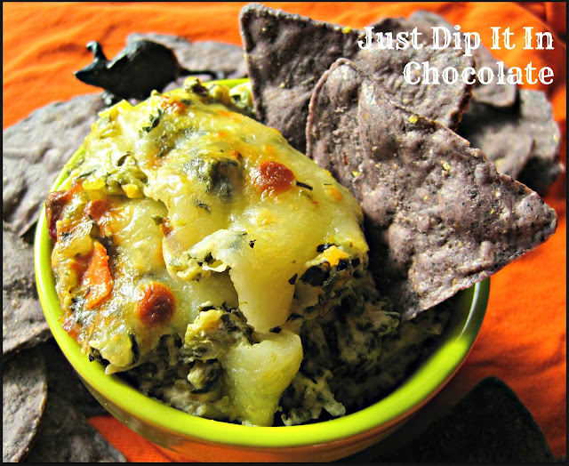 Rat's Nest Halloween Spinach and Artichoke Dip, Bring the Life to your Undead Halloween party with this Fabulous Hot Spinach and Artichoke Dip! It's out of this World and Easy to Make
