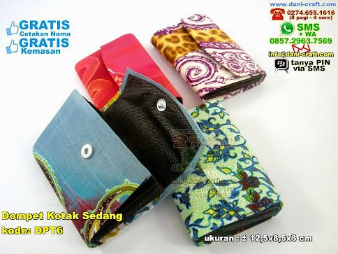 Dompet Kotak Sedang Karton Kain Batik
