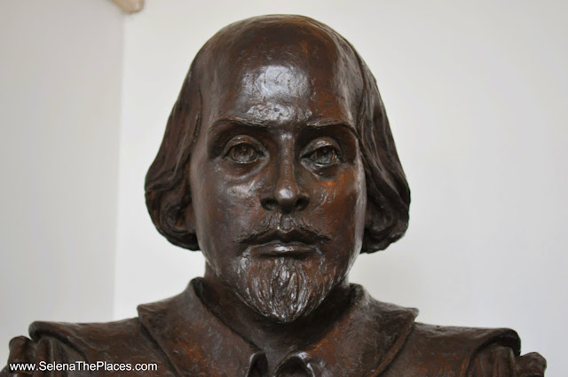 Shakespeare Bust