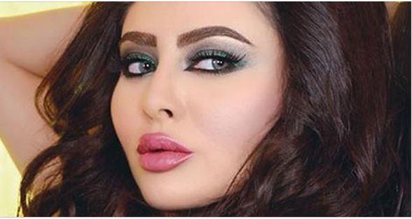 مريم حسين تنشر صور أصابع رجليها... ومي العيدان تتهكم