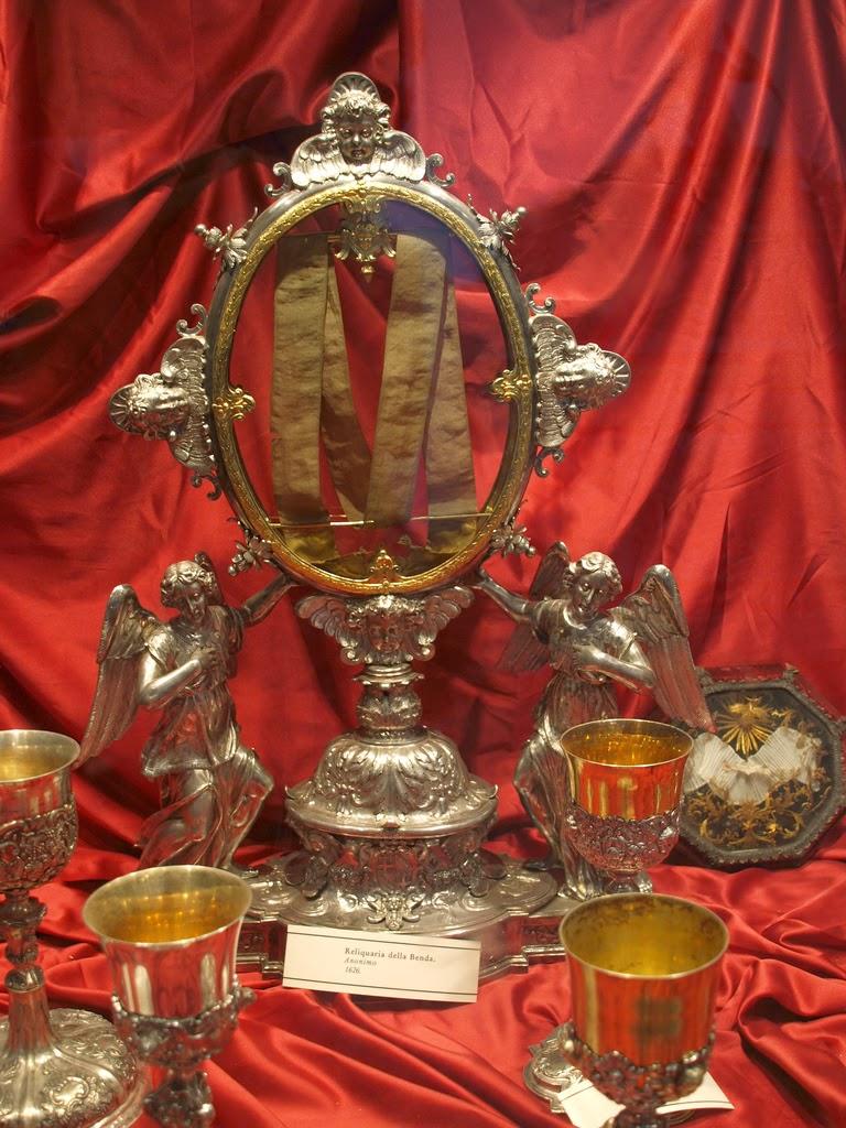 """Η θρηνητική κορδέλα της Παναγίας, """"λείψανο"""" του Επιτάφιου Θρήνου http://leipsanothiki.blogspot.be/"""