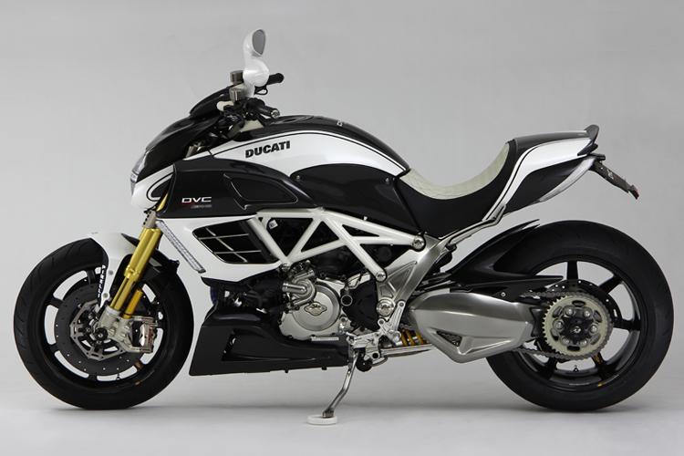 Racing Cafè: Ducati Diavel AMG DVC by Moto Corse