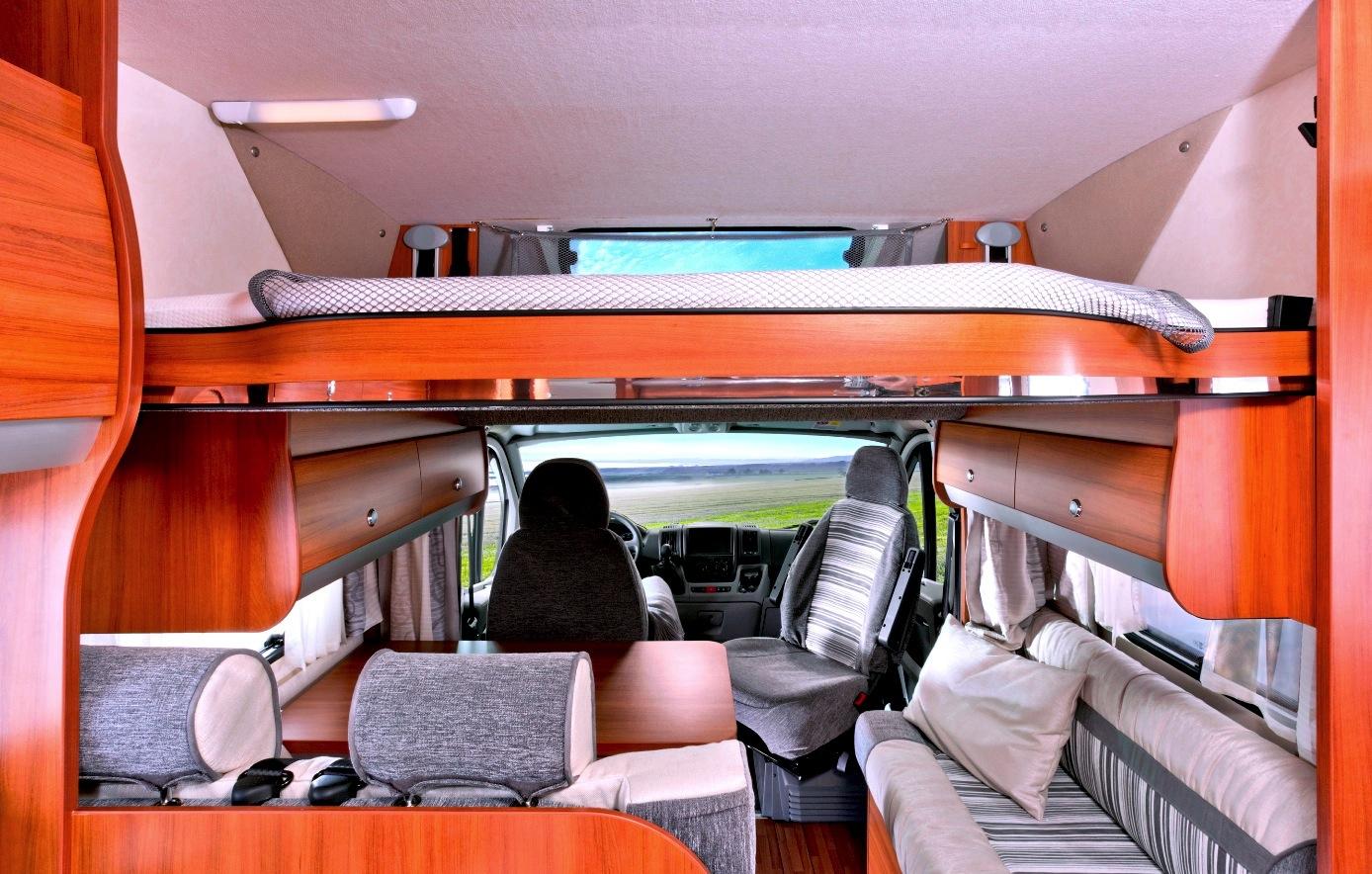 kampeerblog camper de knaus sky wave. Black Bedroom Furniture Sets. Home Design Ideas