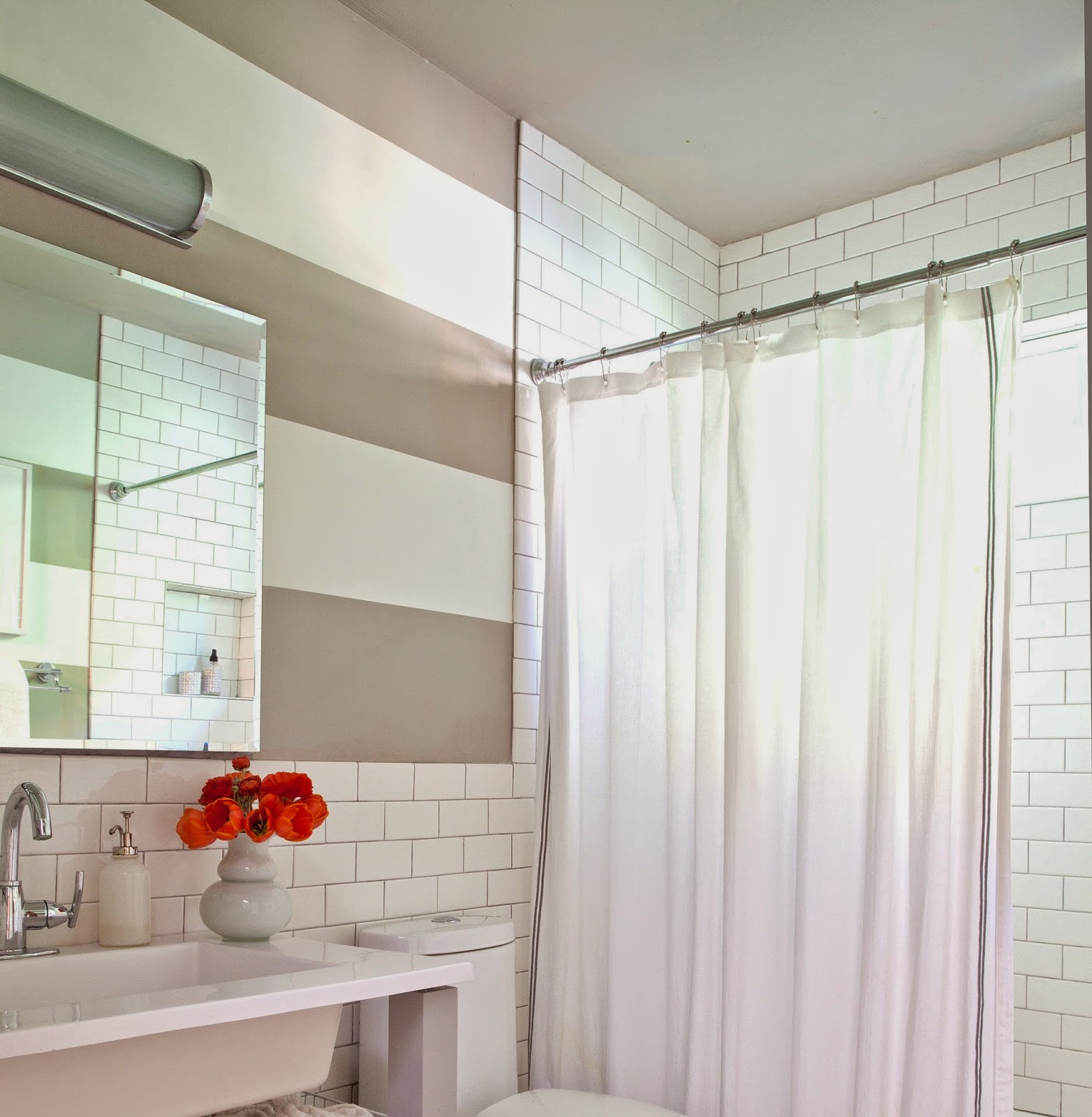 Rosa Beltran Design: MY HOME TOUR PART 5: THE BATHROOM (AND PAINTED ...