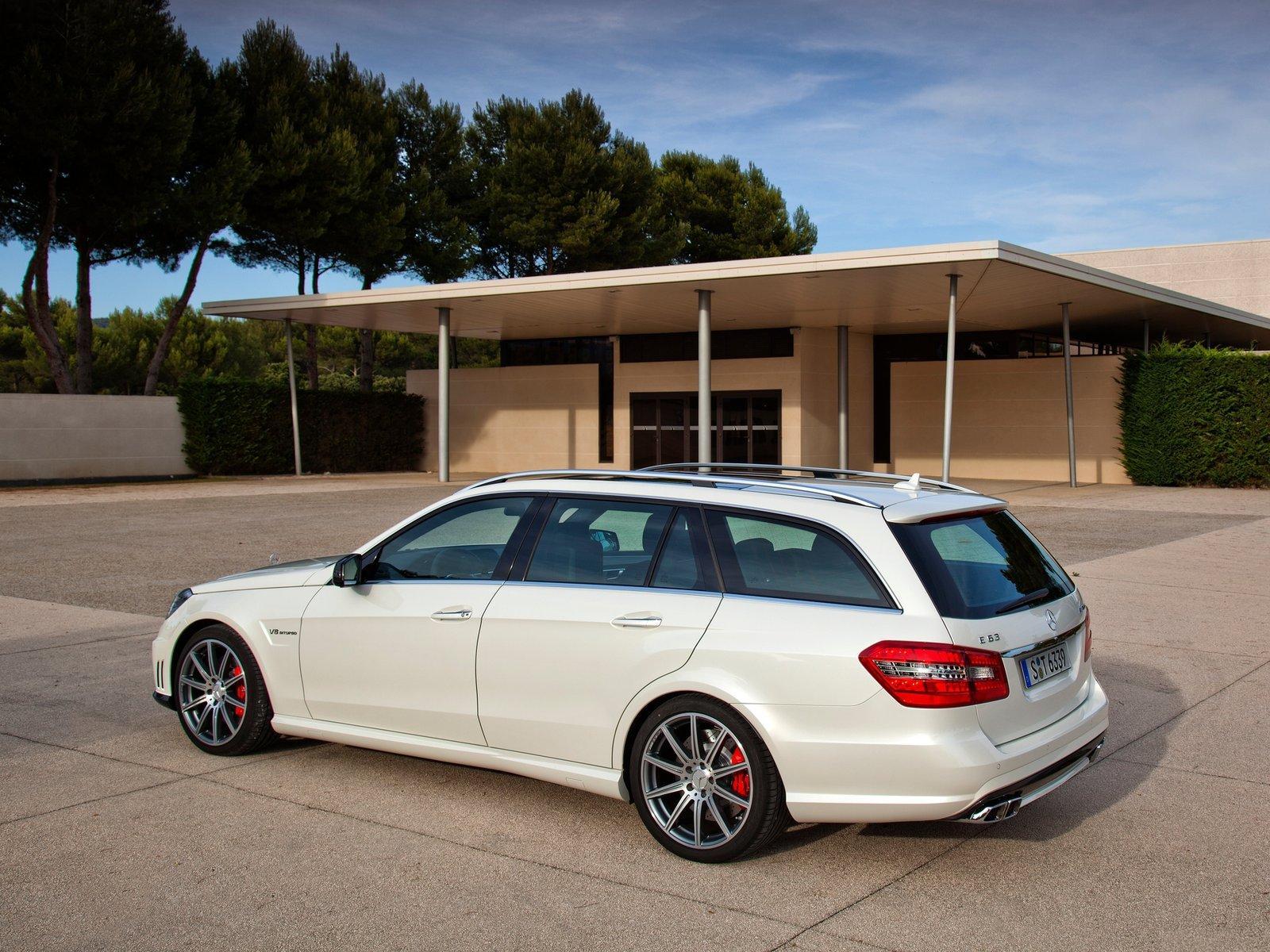 http://1.bp.blogspot.com/-YjyWX8E1BgY/T_fcScc3NqI/AAAAAAAAEPc/wTBMyS-0iQQ/s1600/Mercedes-Benz+E63+AMG+Wagon+Hd+Wallpapers+2012_4.jpg