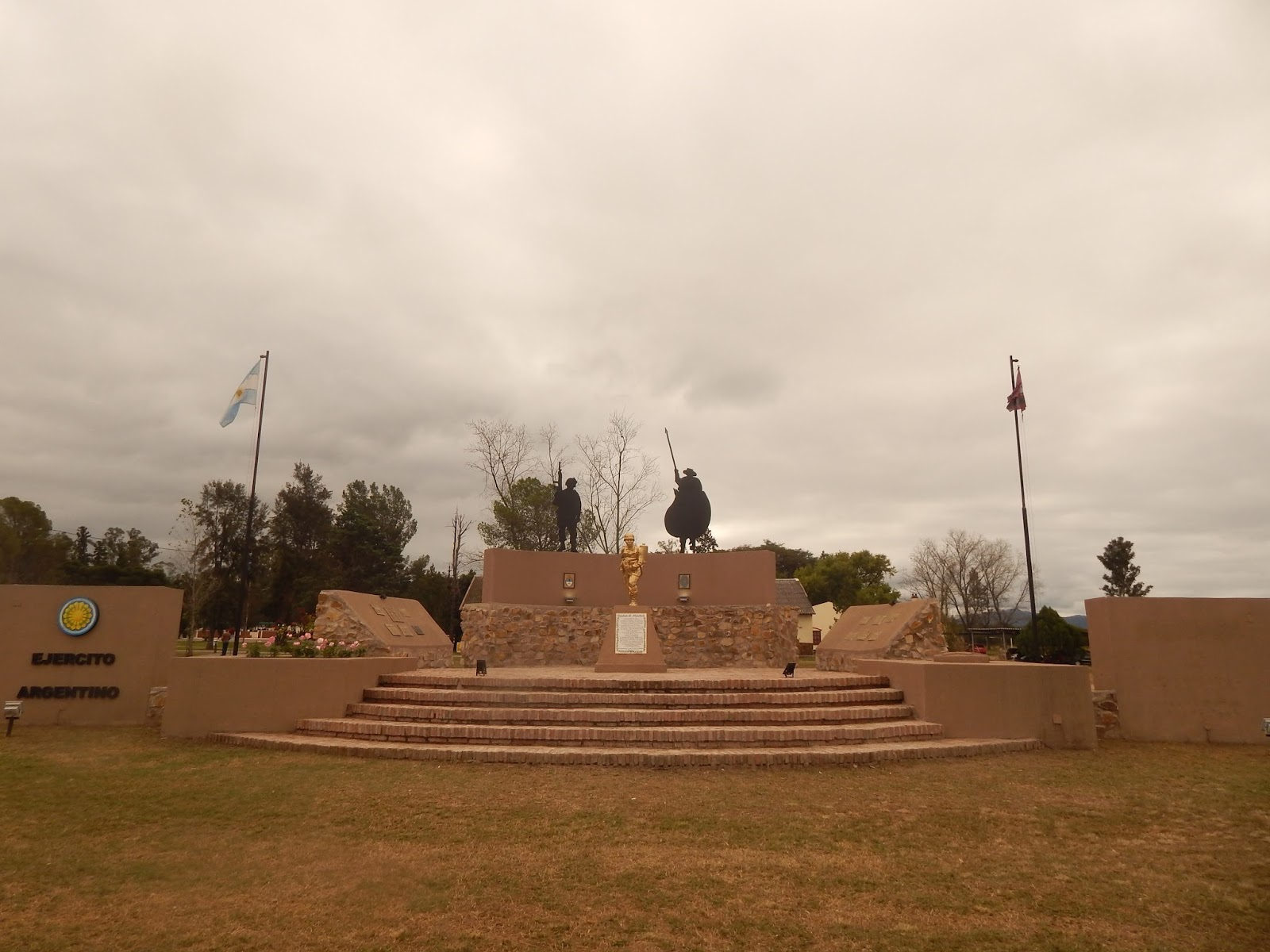 NUEVO MONUMENTO CONMEMORATIVO DEL COMBATE DE MANCHALÁ