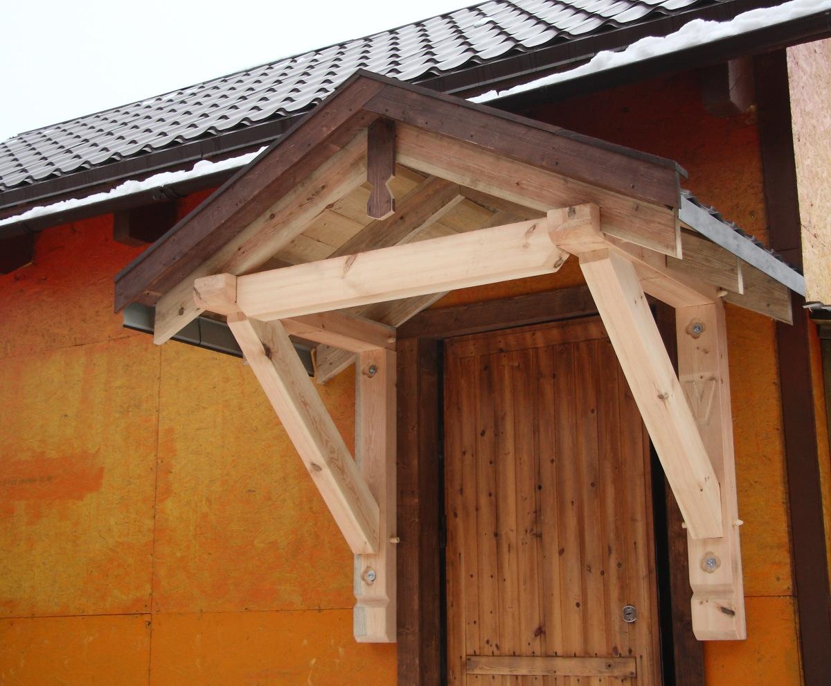 Как построить навес из дерева к частному дому: фото и видео 75