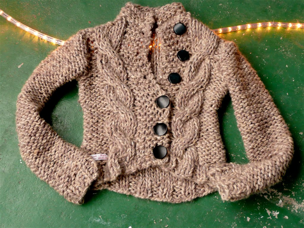Free Knitting Pattern Jumper Sweater 8ply, 12ply Vest Pattern