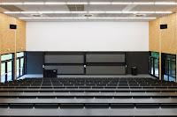 13-Lecture-Hall-by-Deubzer-König-Rimmel-Architekten