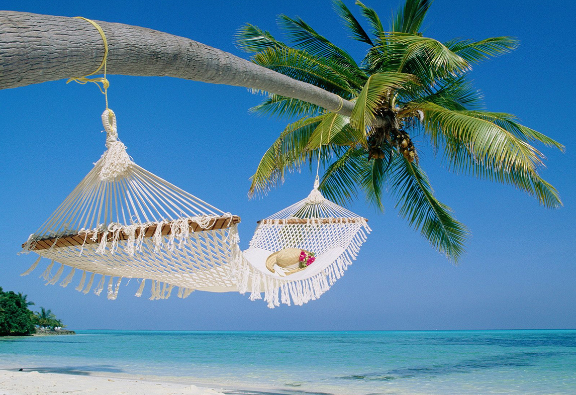 http://1.bp.blogspot.com/-Ykyul9y3WoY/T3B5JARFmMI/AAAAAAAABA0/Fd340EZEeIA/s1600/Holiday+Wallpaper-33.jpg