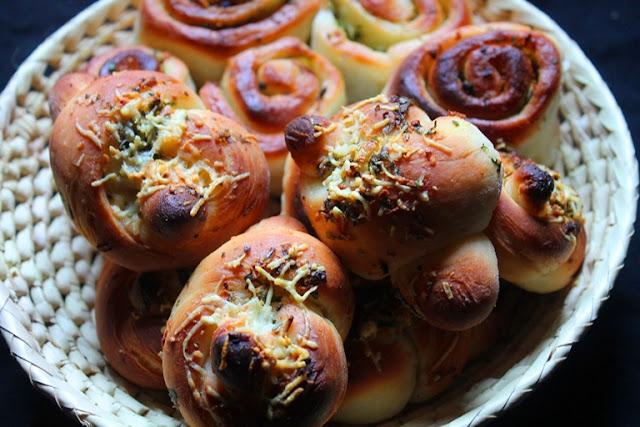 Italian Garlic Knots Recipe