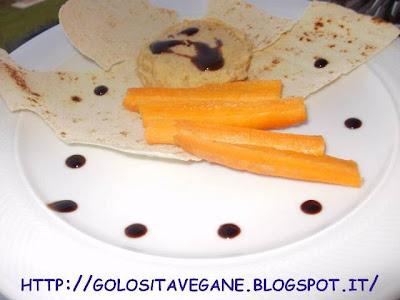 aceto balsamico, Antipasti, carote, ceci, hummus, pane carasau, paté, peperoncino, pesto alla sarda, ricette vegan, Salutiamoci,