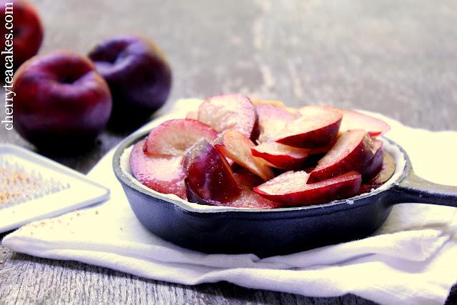 plum pie from cherryteacakes.com