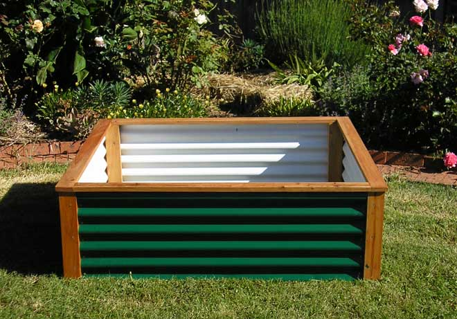 living off the land raised bed garden ideas using free materials