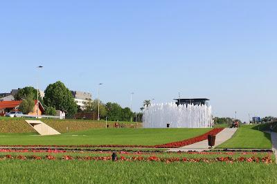 Bandićeve fontane - Helena Paver-Njirić, 2012.