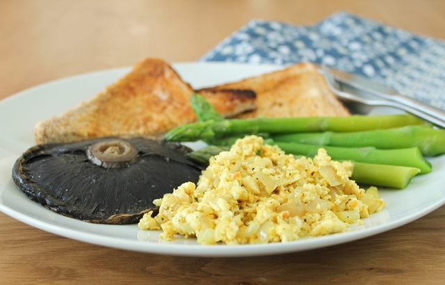 Tofu scramble, portabella mushroom, steamed asparagus and wholemeal toast.