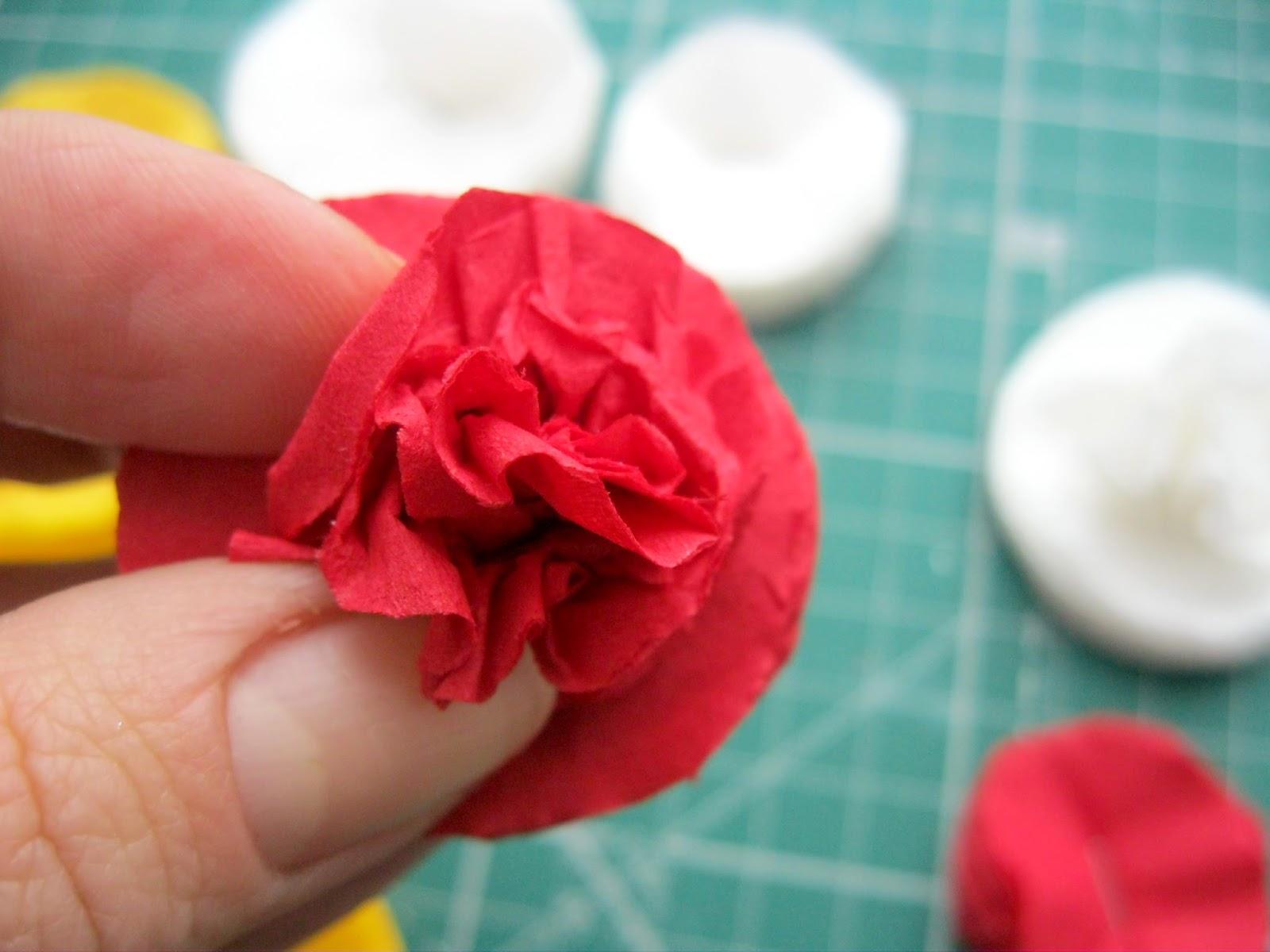 Цветочек из салфеток