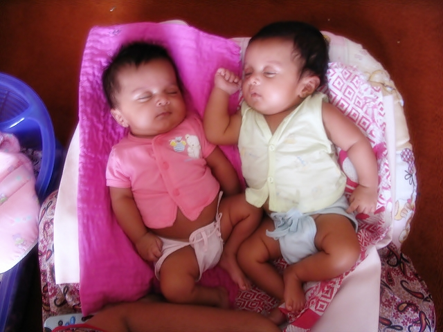 twin babies pictures