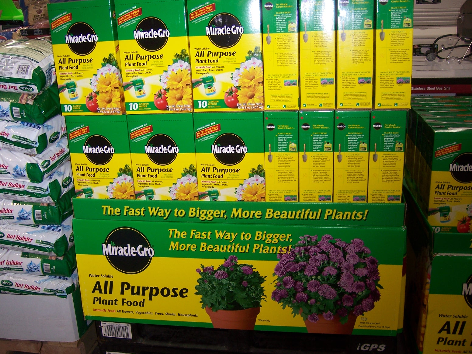 the 2 minute gardener photo potting soil and miracle gro at costco