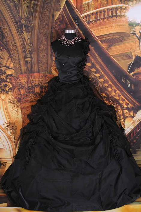 Black and red wedding dress Enter your blog name here