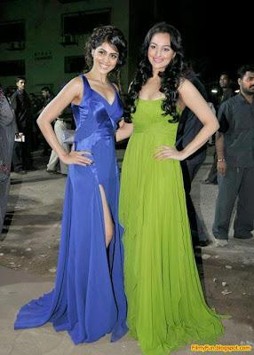 Sonakshi Sinha and Genelia D'Souza arrive for the Filmfare Awards at Yash Raj Studio Mumbai_FilmyFun.blogspot.com