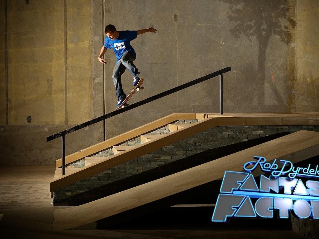 http://1.bp.blogspot.com/-YmPWbwZAxXk/T7KjovlAt-I/AAAAAAAAACU/qBA8ANcKgHI/s1600/skateboarding-wallpaper-8.jpg