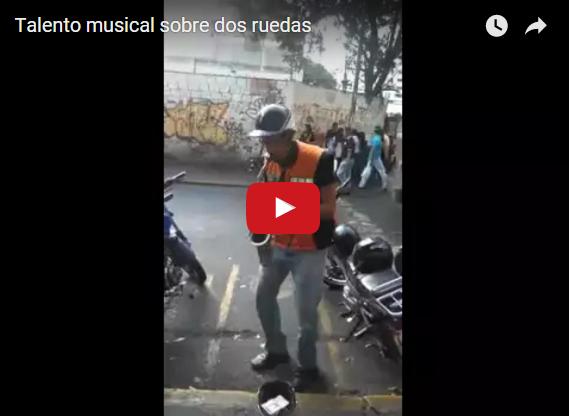 Un Moto-Saxofon nos alegrará la tarde Sólo en Venezuela