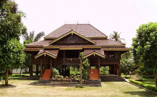 Nuwo Sesat - Traditional Houses of Lampung