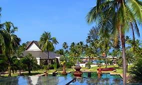 Meridien Khao Lak swimming pool