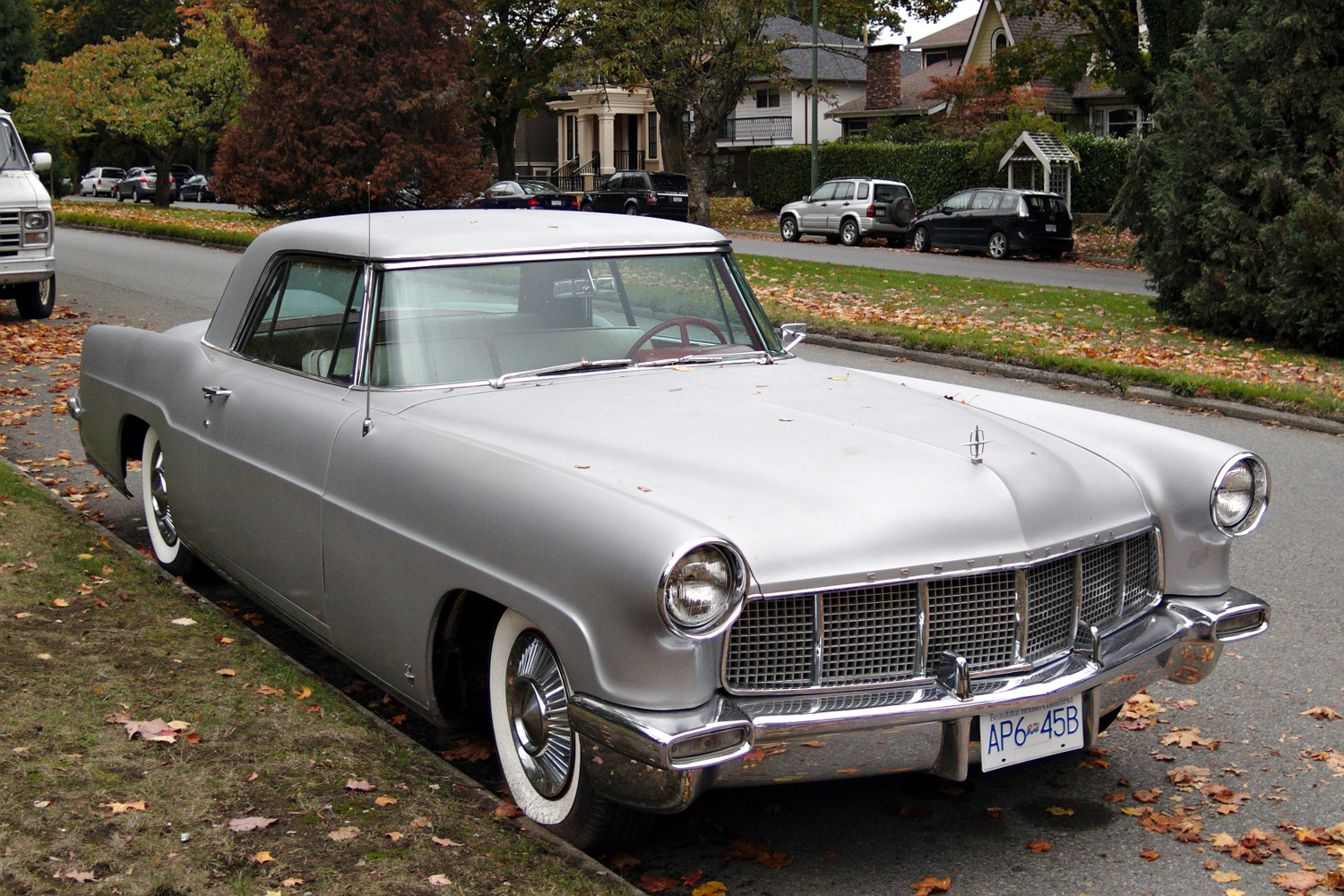 old parked cars vancouver 1957 lincoln continental mark ii. Black Bedroom Furniture Sets. Home Design Ideas