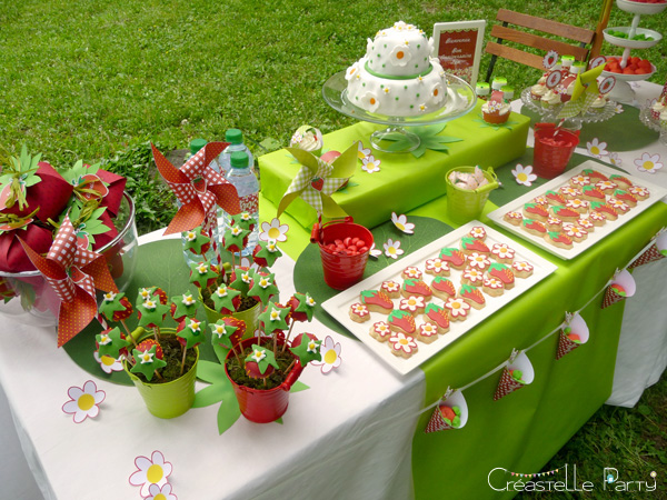 CreastelleParty - Fraise Kawaii - buffet de douceur /CreastelleParty - Kawaii Strawberry - sweet table
