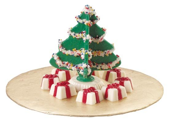 Christmas Wedding Cakes There are plenty of online stores or shops in you