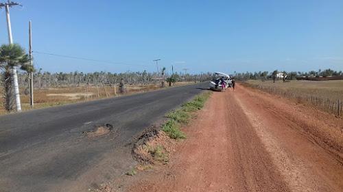 Acidente com embarcação na precária estrada de acesso a Ilha Grande e ao Delta do Parnaíba